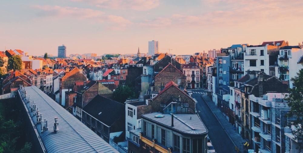Vue de maisons et d'une rue