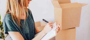 femme qui déménage, acheter ou vendre